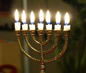Kandelaar Met 7 Kaarsen.Kaarsen En Kandelaars Stichting Israel En De Bijbel